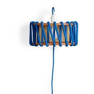 Modrá nástenná lampa s drevenou konštrukciou EMKO Macaron, šírka 30 cm